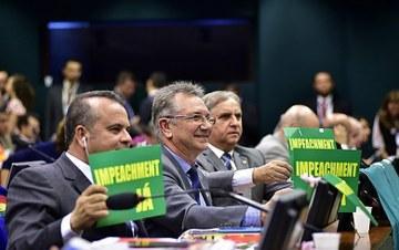 camara_de_diputados_brasil_aprovaDestituçao